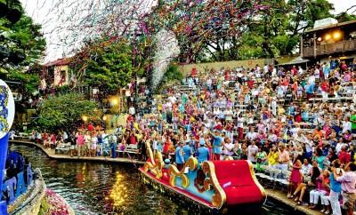 texas_cavaliers_river_parade_sm