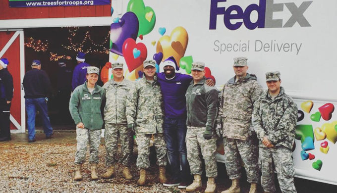 Giving Holiday Cheer & Thanks to our Troops This Christmas