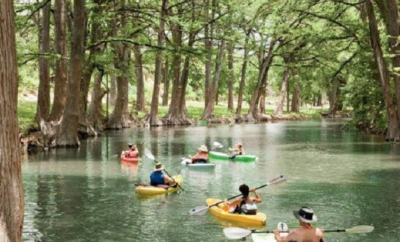 Kayaking in the Texas Hill Country: Mainstream Fun on the Medina River