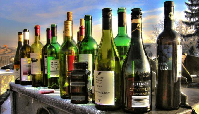lots of wine bottles