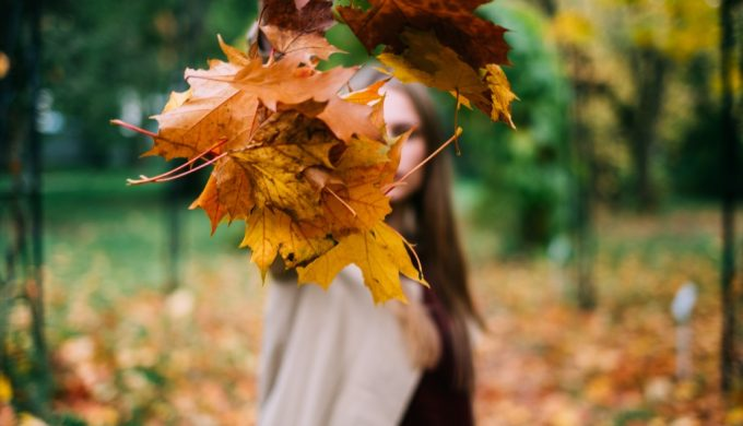 woman-dropped-colorful-leaves_t20_moKBdd