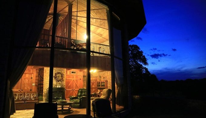 x-bar-ranch-nature-retreat-eldorado-sonora-texas-roundhouse