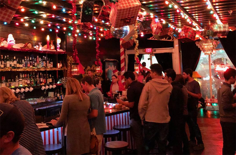 Christmas Themed Pop Up Bar Opens Up In Downtown Austin
